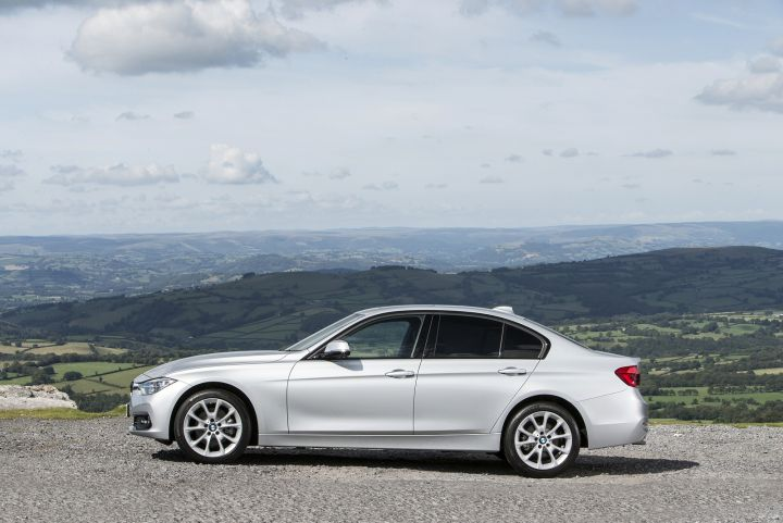 BMW 3 SERIES SALOON 320i