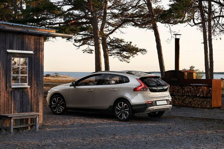 VOLVO V40 HATCHBACK T3 [152] Cross Country