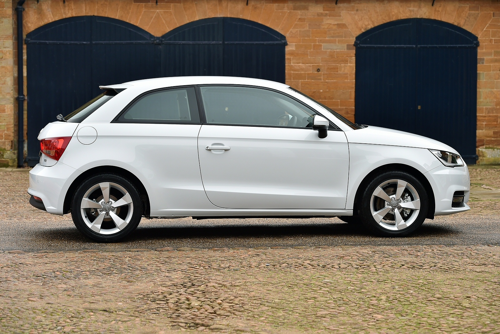 audi a1 diesel hatchback 1 6 tdi se 3dr s tronic. Black Bedroom Furniture Sets. Home Design Ideas